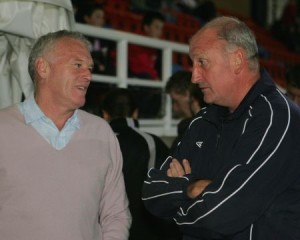 Eddie Gray & Paul Hart enjoy a chat prior to kick-off